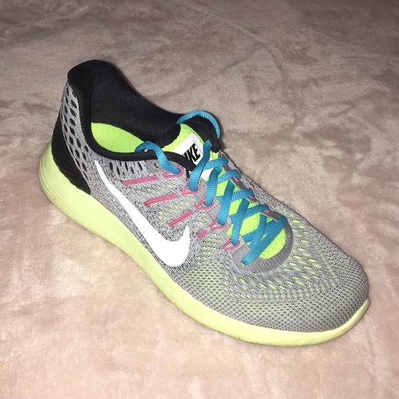 Nike Shoes - Nike • Like New! Running Sneakers